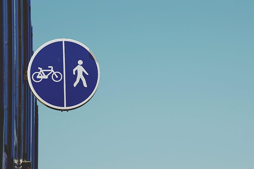 Circulación en bicicleta por ciudad